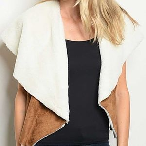 Jackets & Blazers - Camel suede and faux fur vest open front